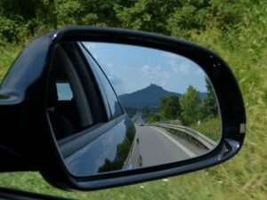 rear-mirror-167581_960_720